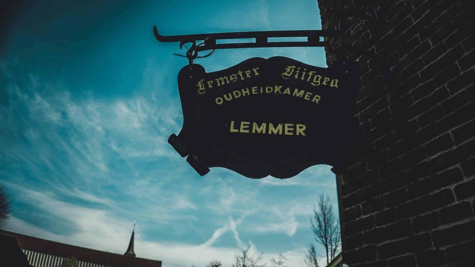Ein Schild in Lemmer Holland
