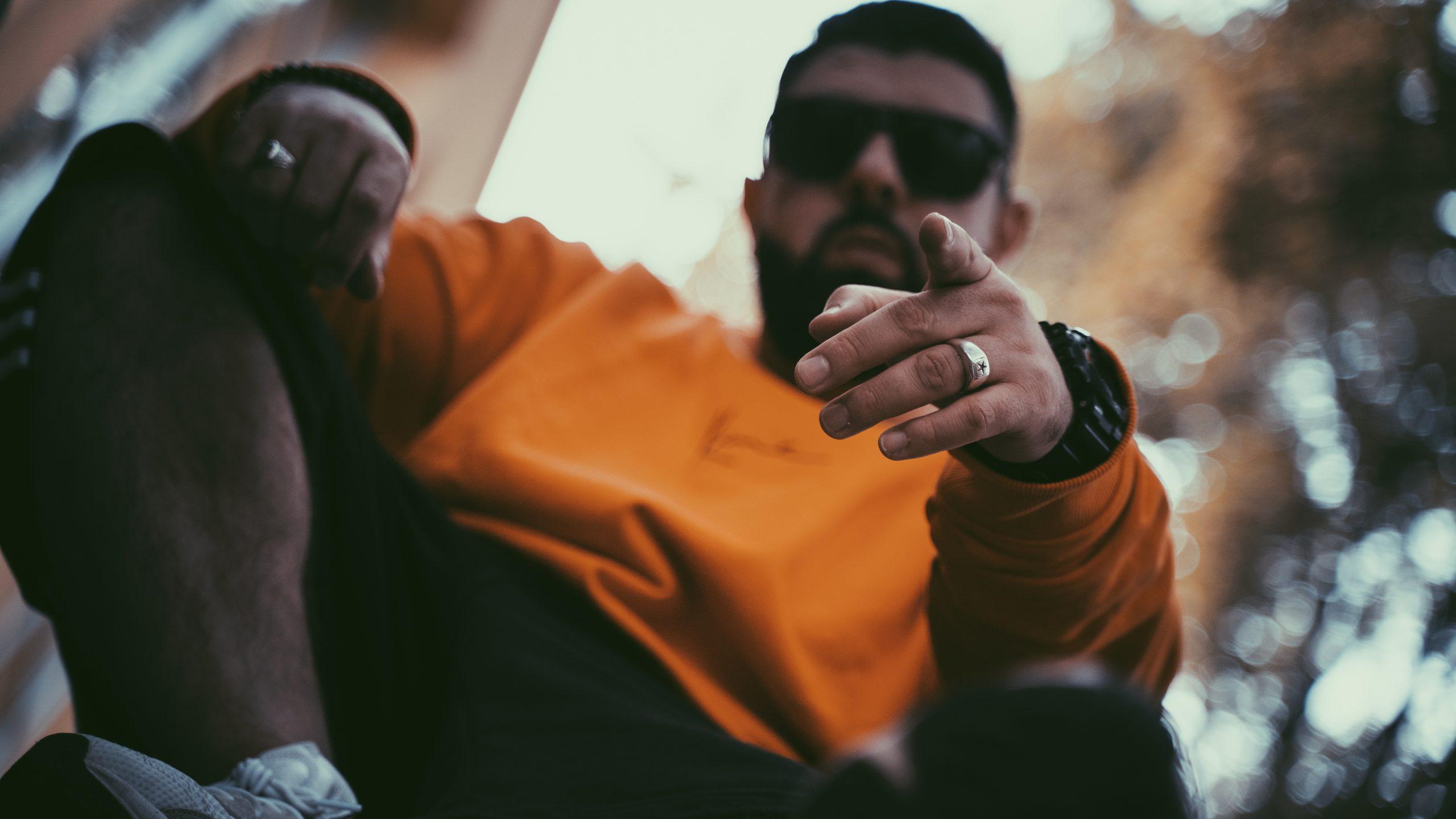 Der Rapper aus Siegen im Fotoshooting in Köln,